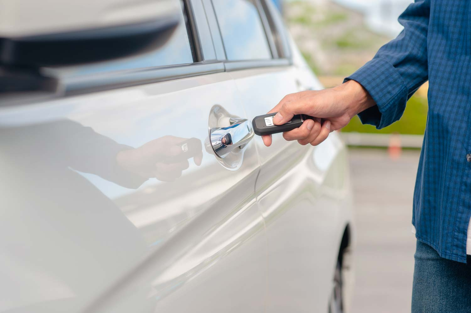 How Do Thieves Steal Keyless Cars